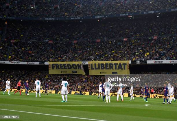 Banners are displayed for the freedom of Catalonia during the La Liga match between Barcelona and Real Madrid at Camp Nou on May 6, 2018 in...