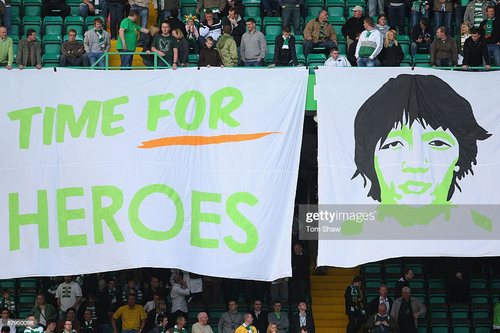 Banners are unfolded for Shunsuke Nakamura of Celtic during the Scottish Premier League match between Celtic and Hearts at Parkhead on May 24, 2009 in Glasgow, Scotland.