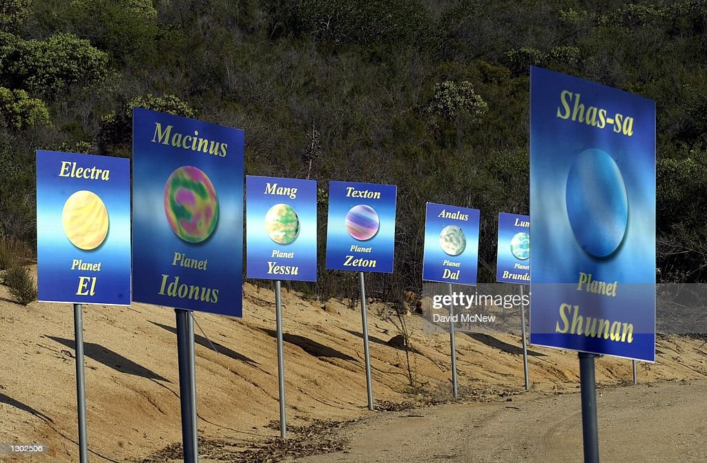 Unarius Academy of Science Expects Flying Saucers in 2001 : News Photo
