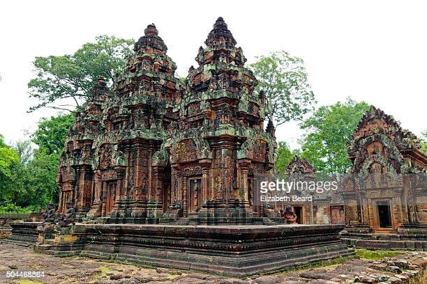 banteay srei temple, cambodia - banteay srei stock pictures, royalty-free photos & images