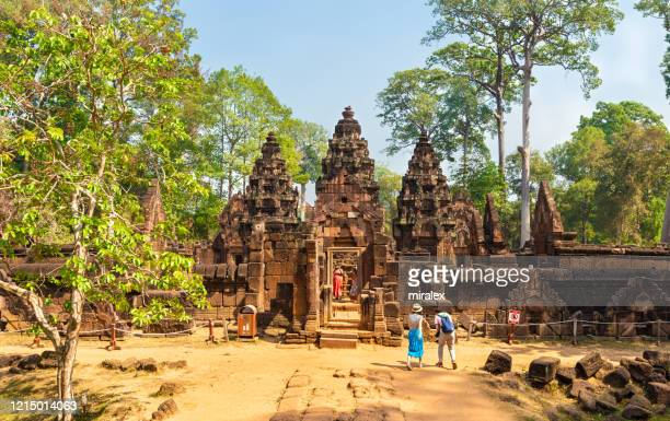 banteay srei temple in angkor - banteay srei stock pictures, royalty-free photos & images