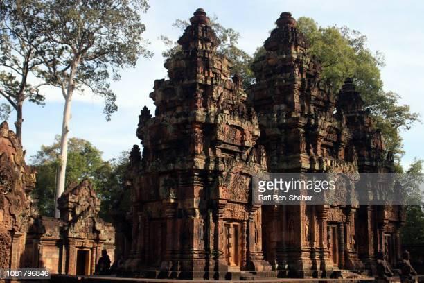 banteay srei temple - banteay srei stockfoto's en -beelden