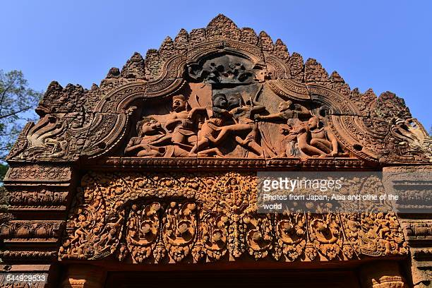 banteay srei temple, siem reap, cambodia - banteay srei stockfoto's en -beelden