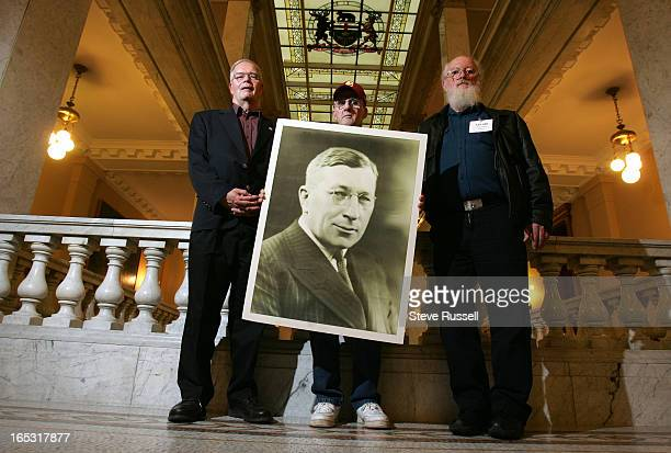 BANTING12/11/06Banting Relatives Bob Banting and Paul and Doug Curwood and Banting homestead supporters converged on the Ontario Legislature to...
