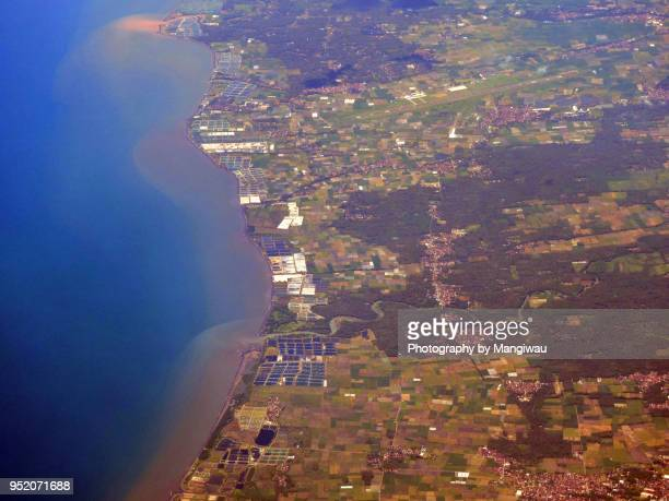 banyuwangi java - llanura costera fotografías e imágenes de stock