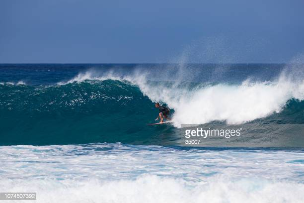 banzai pipeline, north shore, oahu island, hawaii - waimea bay stock pictures, royalty-free photos & images