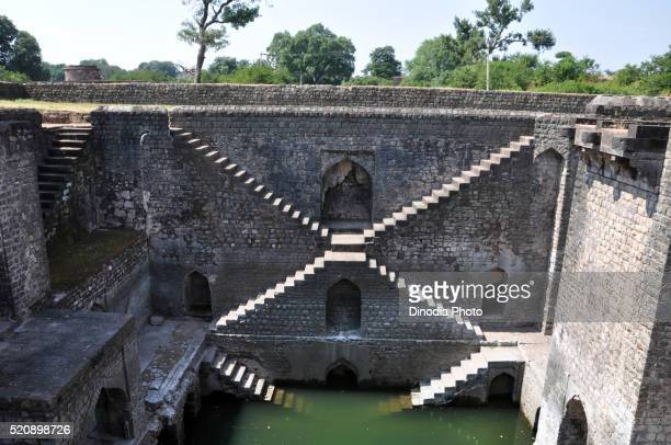 baoli in ujjain, madhya pradesh, india, asia - stepwell stock pictures, royalty-free photos & images
