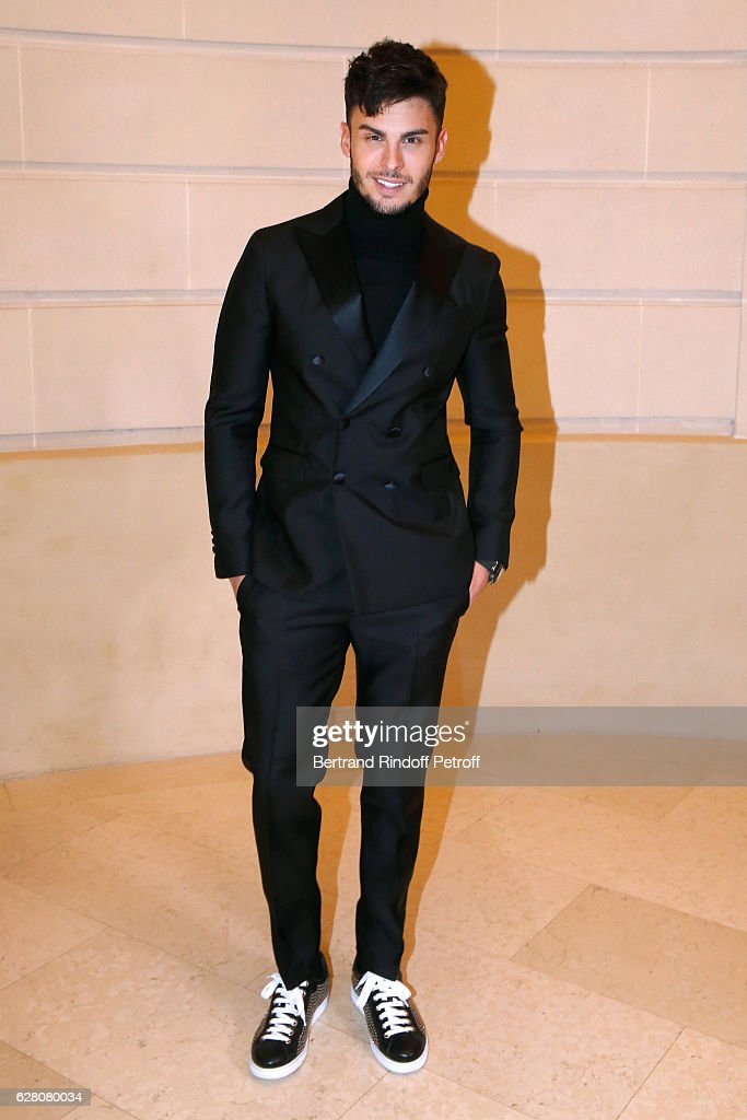 """Chanel Collection des Metiers d'Art 2016/17 : Paris Cosmopolite""  : Photocall At Hotel Ritz"