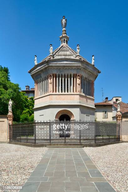 baptistery in città alta (upper town), bergamo, lombardy, italy - mauro tandoi stock photos and pictures