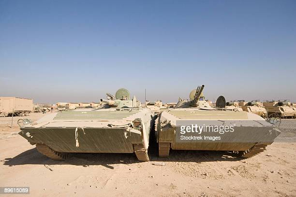 baqubah, iraq - georgian army light tank.  an ex- soviet army bmp-1 is now being used by the georgian army in support of operation iraqi freedom. - baqubah fotografías e imágenes de stock