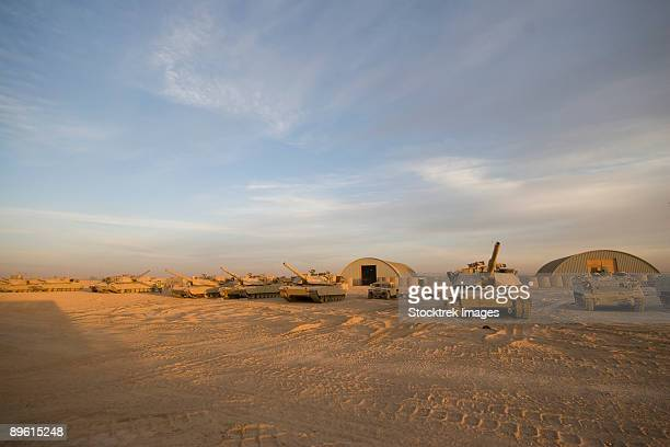 baqubah, iraq - m1 abrams tanks at camp warhorse. - m1 abrams stock pictures, royalty-free photos & images