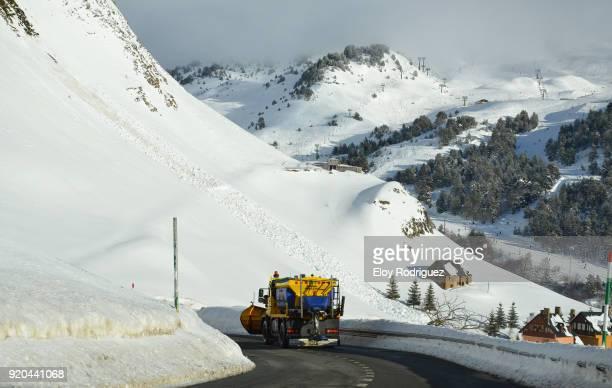 baqueira beret - valle de aran - レリダ県 ストックフォトと画像