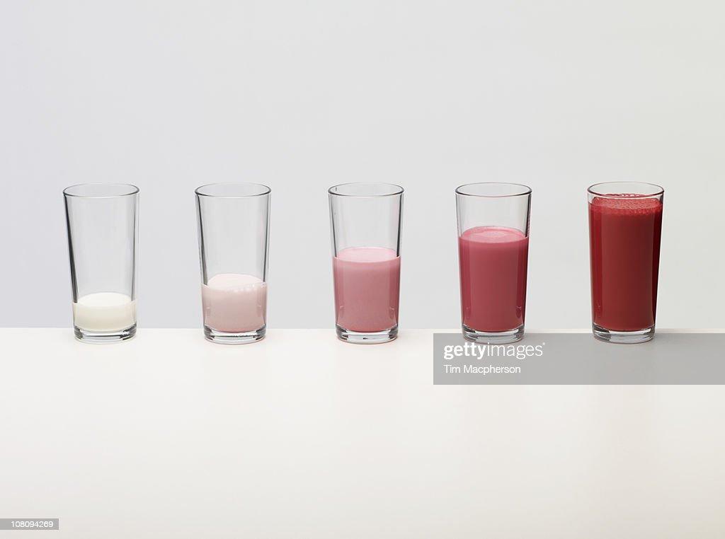 Bar chart made of coloured liquid : Foto de stock