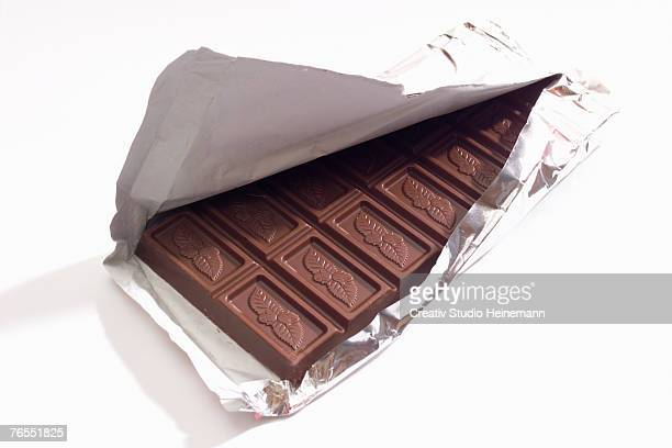 bar of chocolate - chocolate bar stock photos and pictures