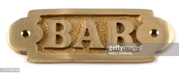 バー」の看板