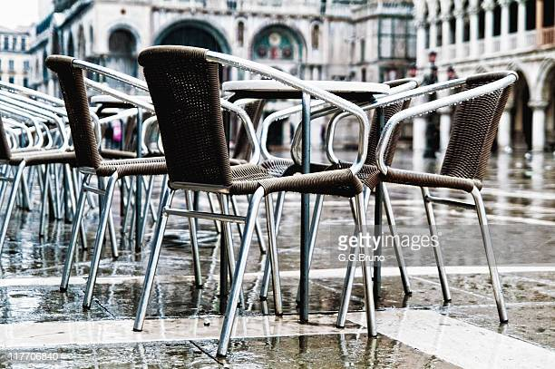 bar table and chairs at piazza san marco - san bruno stock pictures, royalty-free photos & images