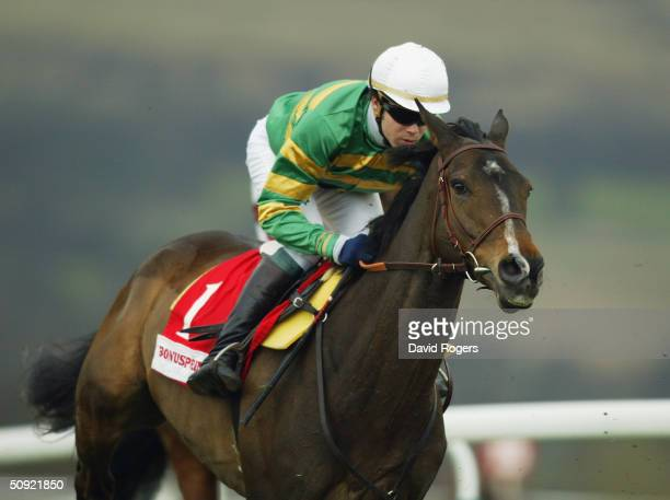 Baracouda ridden by Thierry Doumen pictured during the Bonusprintcom Stayers Hurdle race held on the third day of the annual National Hunt Festival...