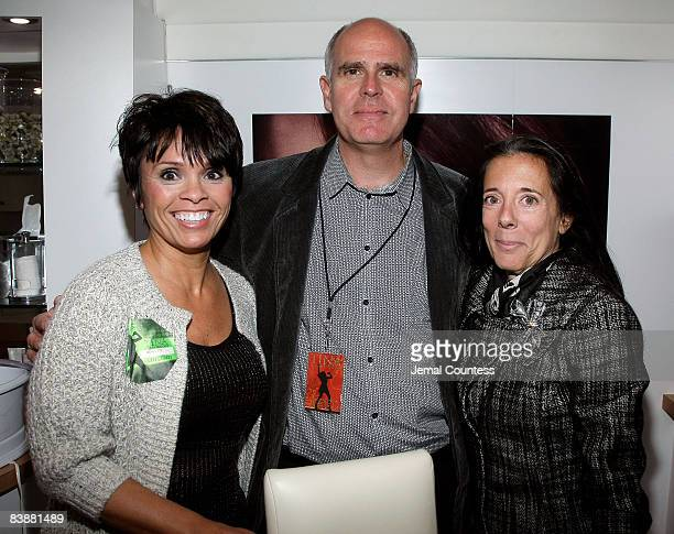 Barb Alviar Steve Lieberman and Faith Kates Kogan attend the Amway Global presentation of Tina Turner Live in Concert at Madison Square Garden on...