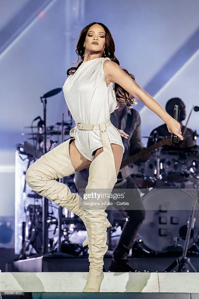 Rihanna Performs In Milan : News Photo