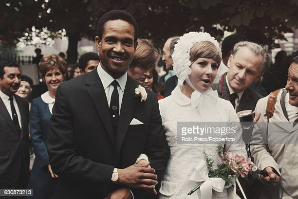 Barbados born West Indies cricketer Garfield Sobers marries Australian born Prue Kirby at a ceremony in Nottingham, England on 11th September 1969.