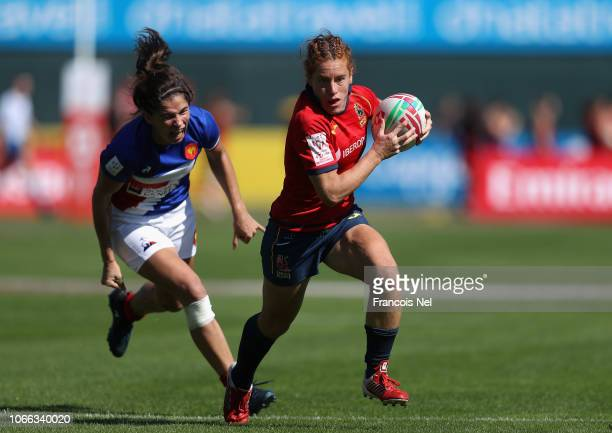 Barbara Algar of Spain runs with the ball on day one of the Emirates Dubai Rugby Sevens HSBC World Rugby Sevens Series at The Sevens Stadium on...