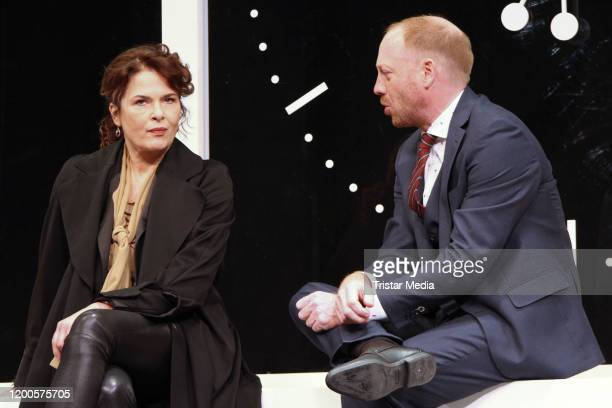 """Barbara Auer and Johann von Buelow during the photo call """"Heilig Abend"""" at St. Pauli Theater on January 17, 2020 in Hamburg, Germany."""