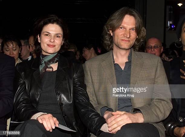 Barbara Auer und Ihr Freund Martin Lange Bei Der Verleihung Des Montblanc De La Cultur Arts Patronage Award 2001 In Hamburg Am 240401