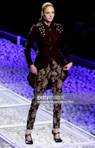 Barbara Berger wearing Ronaldo Fraga Fall/Winter 2006