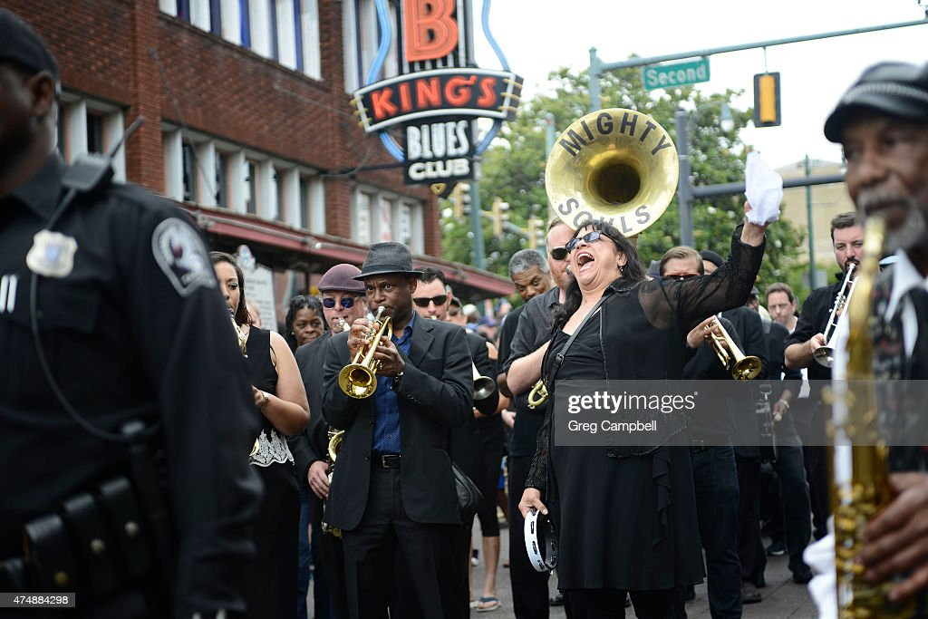 Barbara Blue sings in the funeral procession at the memorial in honor of B.B. King on May 27, 2015 in Memphis, TN. King passed away on May 14, 2015 at the age of 89.