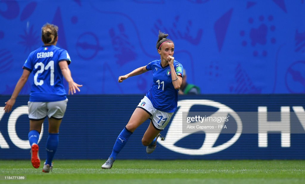 Australia v Italy: Group C - 2019 FIFA Women's World Cup France : Photo d'actualité