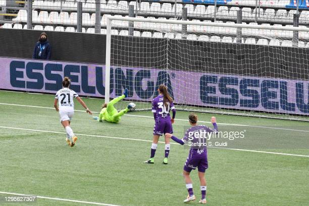 Barbara Bonansea of Juventus FC scores a goal during the Women's Super Cup Final match between Juventus and ACF Fiorentina at Stadio Comunale on...