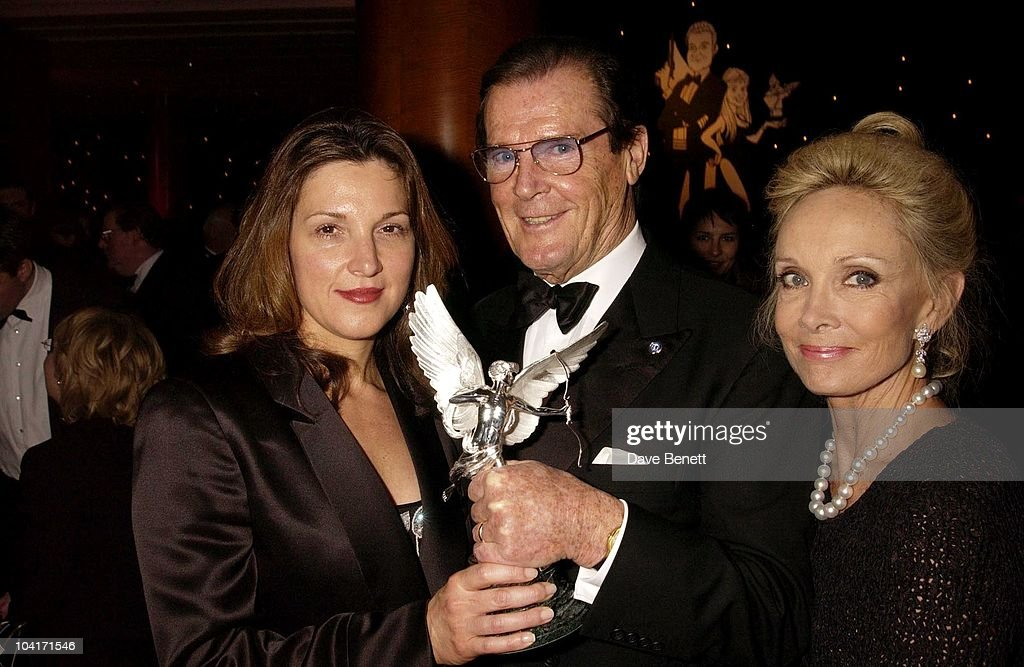 Barbara Broccoli With Roger Moore And Partner Christina Tholstrup, The Evening Standard Film Awards, At The Savoy Hotel In London