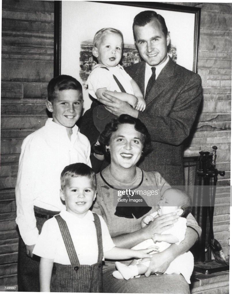 Bush Family Portrait, 1956 : News Photo