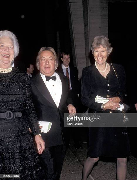 Barbara Bush Arnold Scaasi and Libby Pataki during Literacy Partners Present An Evening of Readings And Gala Dinner Dance April 29 1996 at Julliard...
