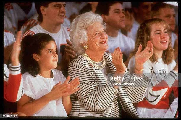Barbara Bush granddaughter Noelle lead applause for VP George Bush at campaign rally at Minonk High School
