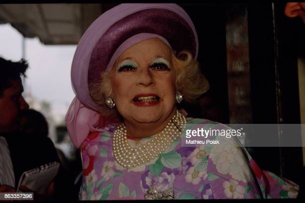 Barbara Cartland Raine Spencer's mother