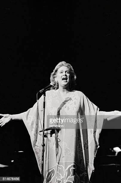 Barbara Cook performing