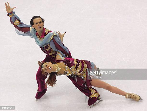 Barbara Fusar Poli and Maurizio Margaglio of Italy perform during the Free Dance program of the figure skating during Day 10 of the Turin 2006 Winter...