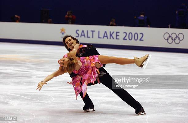 Barbara FusarPoli and Maurizio Margaglio of Italy compete in the free dance on February 18 2002 during the Salt Lake City Winter Olympic Games at the...