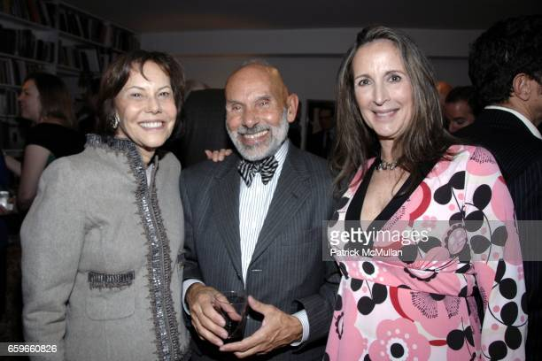 Barbara Goldsmith Frank Sanchis Suzanne O'Malley attend Patricia Bosworth and Joel Conarroe host party for BRAD GOOCH'S new book FLANNERY A LIFE OF...
