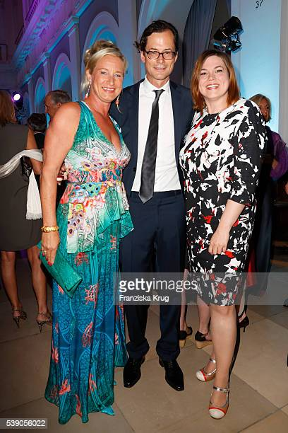 Barbara Karan, Stephan Willems and Katharina Fegebank attend the 'Das Herz im Zentrum' Charity Gala on June 9, 2016 in Hamburg, Germany.