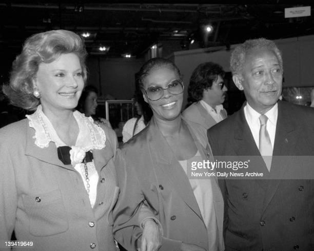 Barbara Marx Dionne Warwick and David Dinkins at gala
