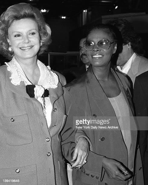 Barbara Marx Dionne Warwick at gala