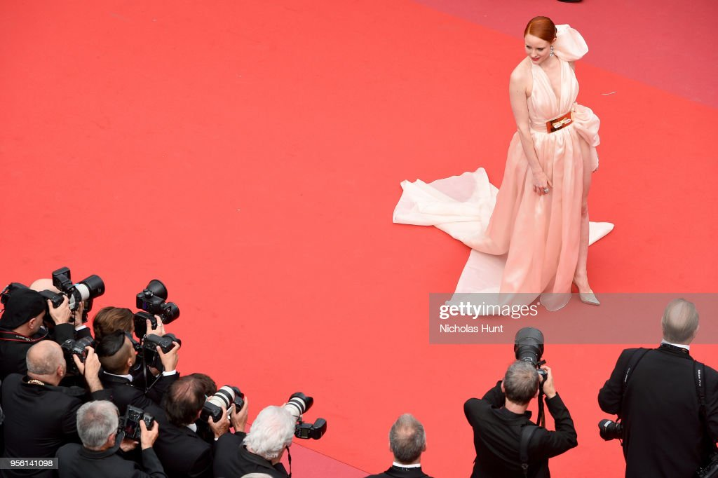 """""""Everybody Knows (Todos Lo Saben)"""" & Opening Gala Red Carpet Arrivals - The 71st Annual Cannes Film Festival : Nachrichtenfoto"""