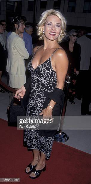 Barbara Niven attends the premiere of The Rat Pack on August 18 1998 at the Academy Theater in Beverly Hills California