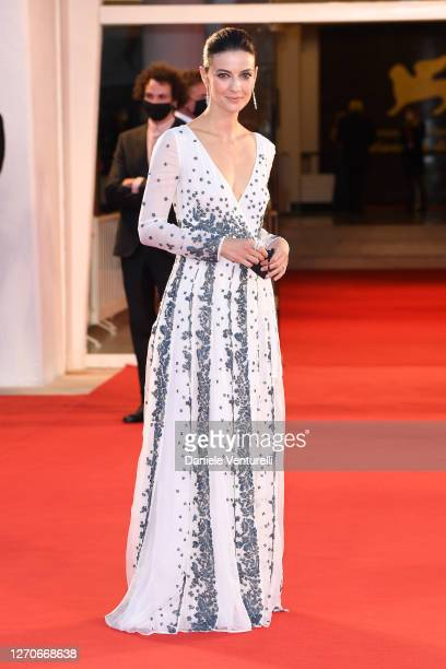 """Barbara Ronchi walks the red carpet ahead of the movie """"Padrenostro"""" at the 77th Venice Film Festival at on September 04, 2020 in Venice, Italy."""