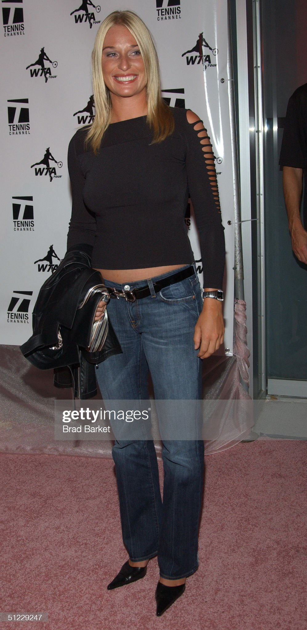 ¿Cuánto mide Barbara Schett? - Real height Barbara-schett-arrives-to-the-wta-glam-slam-nyc-2004-party-at-ruby-picture-id51229247?s=2048x2048