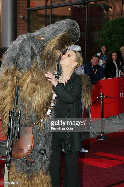 Barbara Schöne With Chew Bacca In The Germany premiere of Star Wars Episode Iii Revenge of the Sith the theater at Potsdamer Platz in Berlin