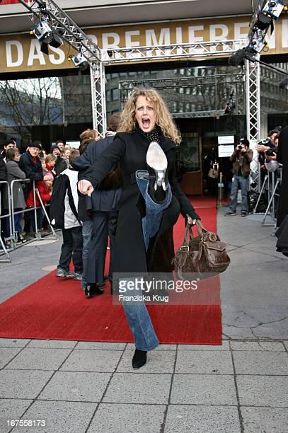 Barbara Schöneberger Bei Der 'Der Räuber Hotzenplotz' Premiere Bei Der Berlinale Am 120206