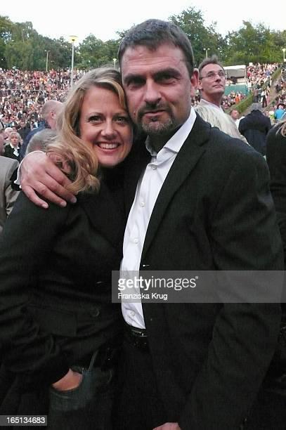 Barbara Schöneberger Freund Mathias Krahl Beim B Streisand Konzert In Der Waldbühne In Berlin
